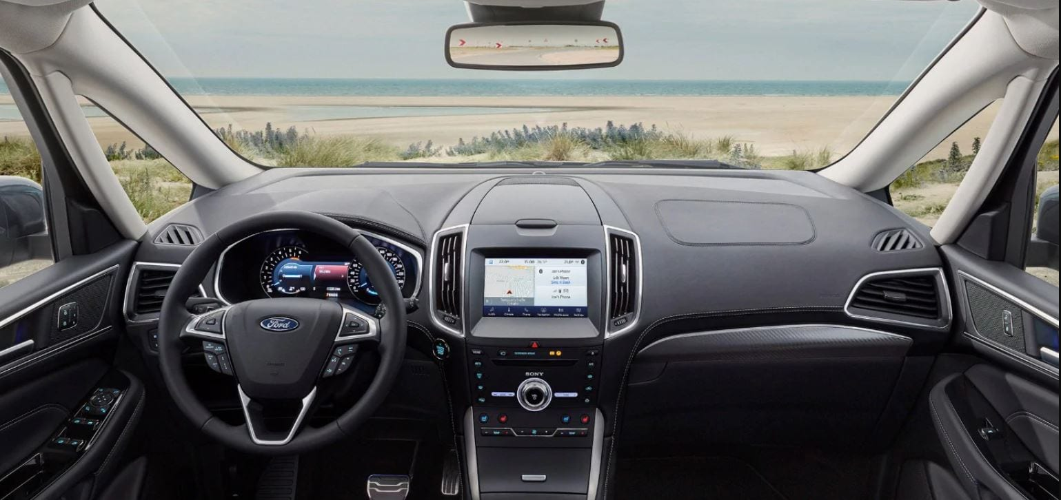 interior del ford galaxy