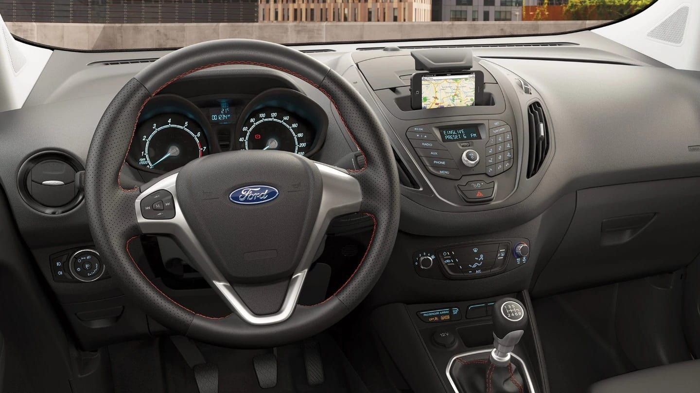 comprar ford tourneo courier volante